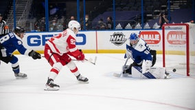 Lightning stay unbeaten at home with 3-1 win over Red Wings