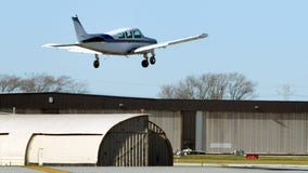 Small plane lands safely at Michigan airport after landing gear malfunctioned