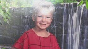 Family desperate to find endangered missing 7-year-old from Lincoln Park taken by mother