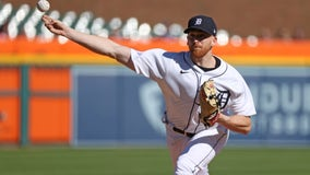 Turnbull, Schoop lead the Tigers to 6-1 win over Yankees