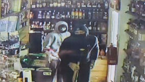 Allen Park police seek pair who stole $1,500 worth of vape products from convenience store
