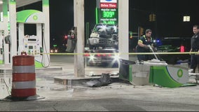 Man careens into Warren gas station to avoid traffic accident