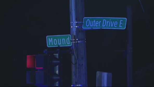 2 shot, 1 dead in drive-by shooting in Detroit Wednesday night