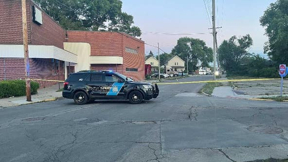 3 shot, 1 killed in drive-by at basketball court in Hamtramck