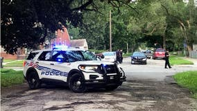 Double shooting in Detroit causes vehicle to strike tree, leaving 1 dead