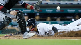White Sox lose 4-3 to Tigers but close in on division crown