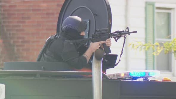 UPDATE: Homicide suspect dies by sucide after barricading inside Detroit home