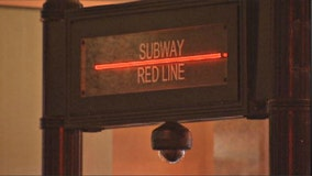 Red Line riders robbed on Near North Side, Loop: police