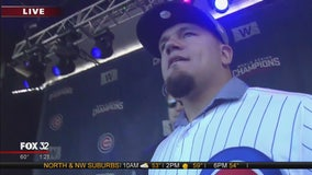 Kyle Schwarber speaks at Cubs World Series rally