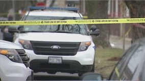 14-year-old girl shot after getting into an argument in Bronzeville