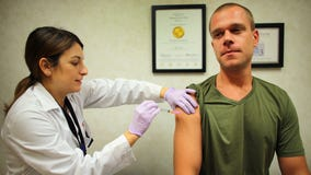 Chicago health officials urge people to get flu vaccinations this fall
