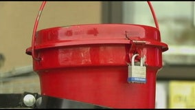 Man arrested for allegedly stealing Salvation Army red kettle from outside Macy's store
