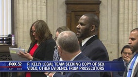 R. Kelly's lawyer demands Avenatti texts, video, emails at hearing