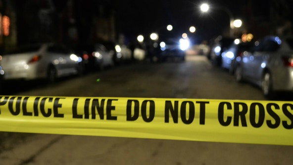 One person killed, another wounded in shootings just a block apart in the South Loop