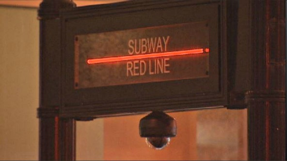 Teen seriously wounded after being stabbed with scissors on downtown Red Line platform