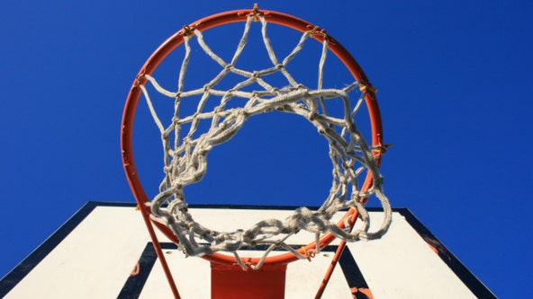 Police warn residents of robbers targeting teens playing basketball