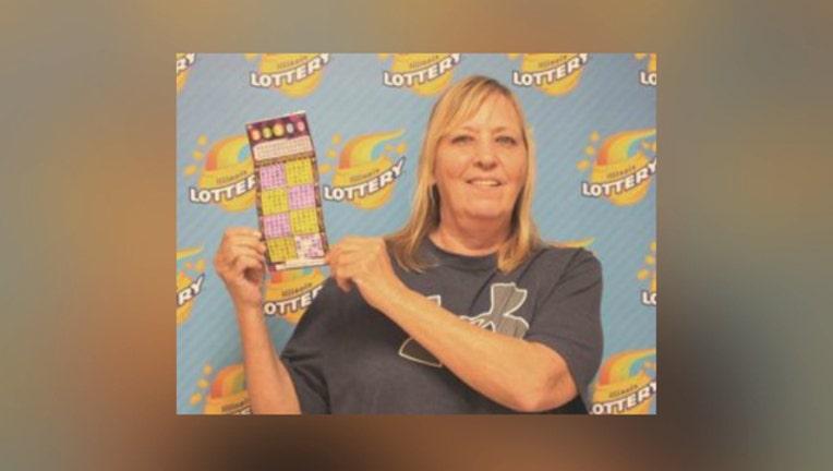 022a21b2-Lottery winner Janet Rodriguez
