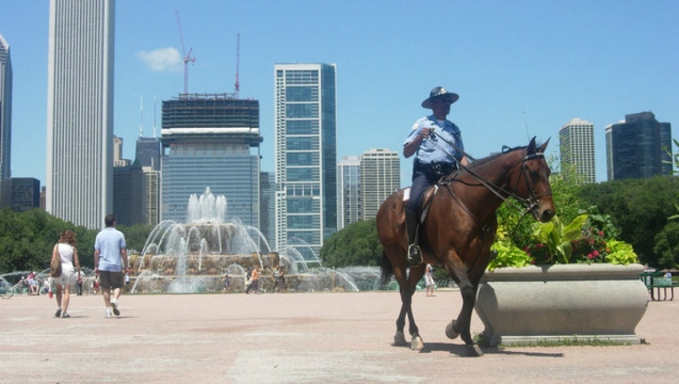 mounted-cpd-police_1465401826120.jpg