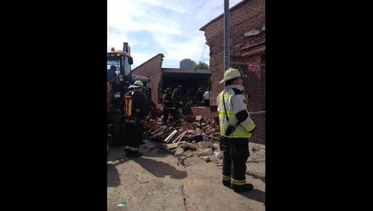 0957e8af-bronzeville-wall-collapse