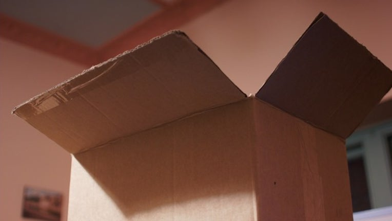 Generic moving box by SalTheColourGeek via Flickr