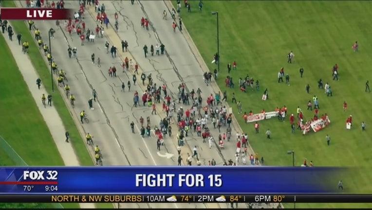 0fd5c9b3-mcdonalds-protest-fight-for-15_1464279974192.jpg