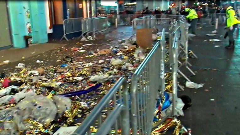 1e579b69-Cleanup in Times Square after 2016 New Years Ave celebrations
