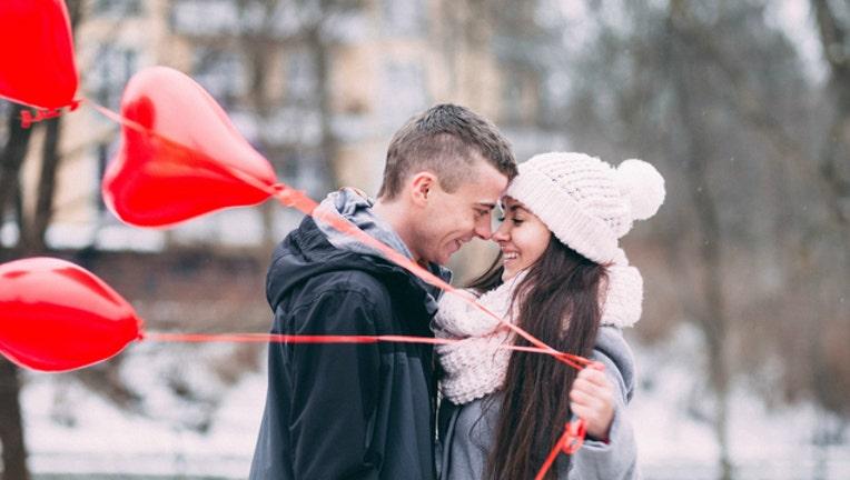 29c6c28c-loving-couple-dating-relationships_1487008044330.jpg