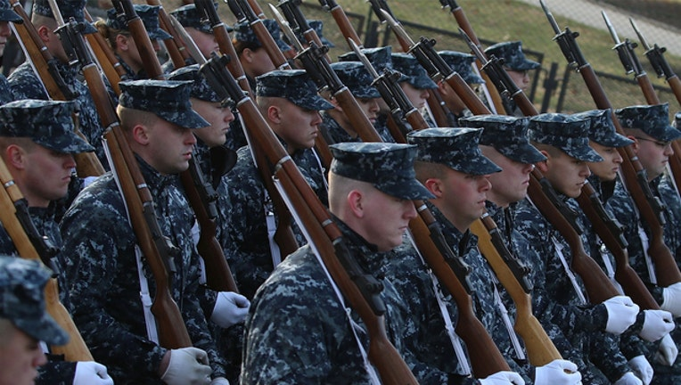 Military parade (GETTY IMAGES)-401720