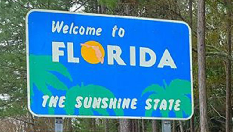 2d364bd0-welcome to florida sign_1553196959173.jpg-401385.jpg