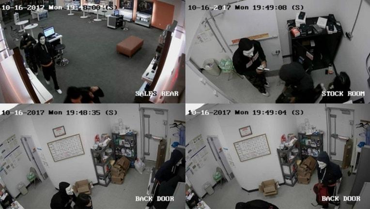 3293db19-westchicago-arned-robbery_1508412791682.jpg