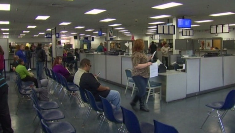 3559d161-DMV_to_issue_federally_compliant__Real_I_0_4532272_ver1.0_640_360_1532486613037-407068.jpg
