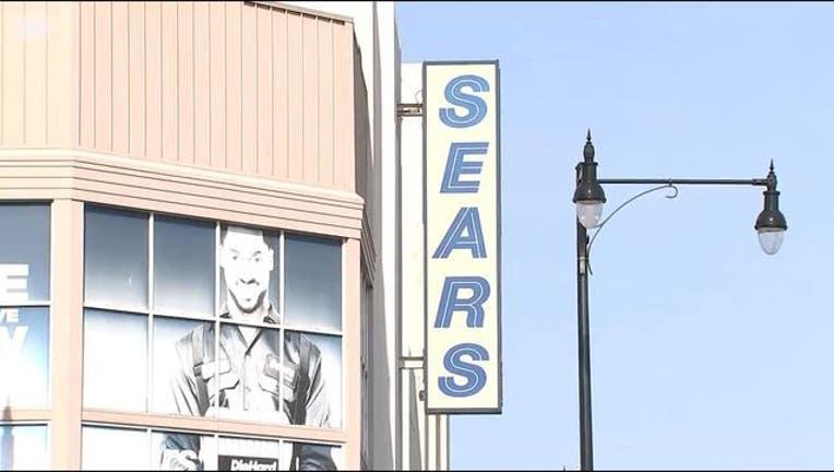 3b2b6cb9-Last Sears store in Chicago