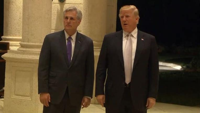 3f899de0-Trump goes to dinner at Mar-a-Lago