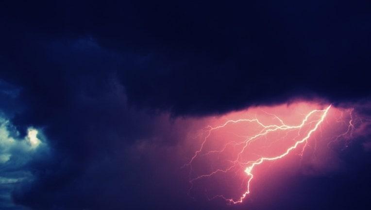 lightning_1461685059712.jpg