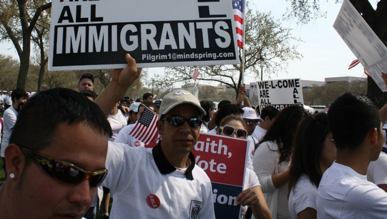 immigrants-yo_1462386382604.jpg