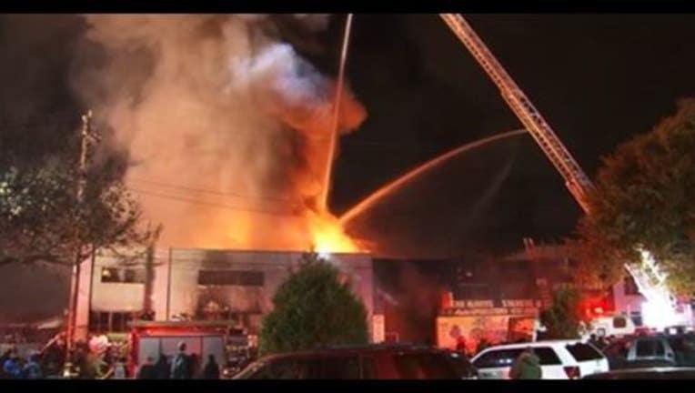 53bb36c8-Oakland Fire photo courtesy of KTVU