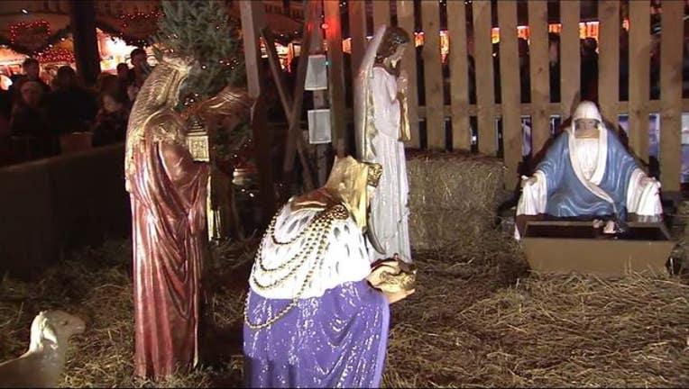 5e322be3-Daley Plaza nativity scene