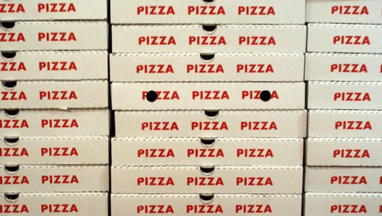 6079af35-pizza-boxes-box_1484611358755.jpg