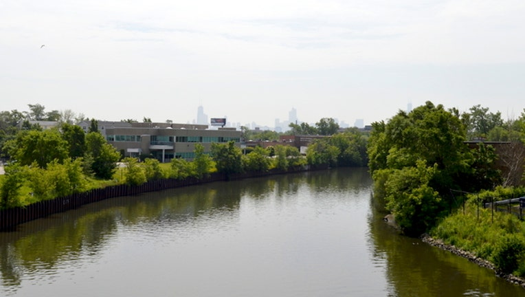 689fc9ef-chicago-river-north-branch_1491058327838.jpg