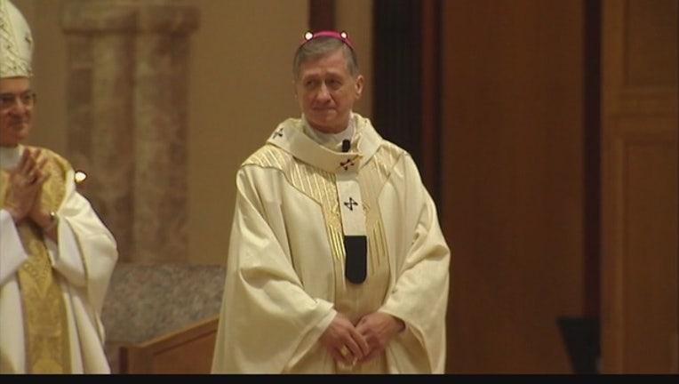 Archbishop_Blase_Cupich_receives_pallium_0_20150824035850