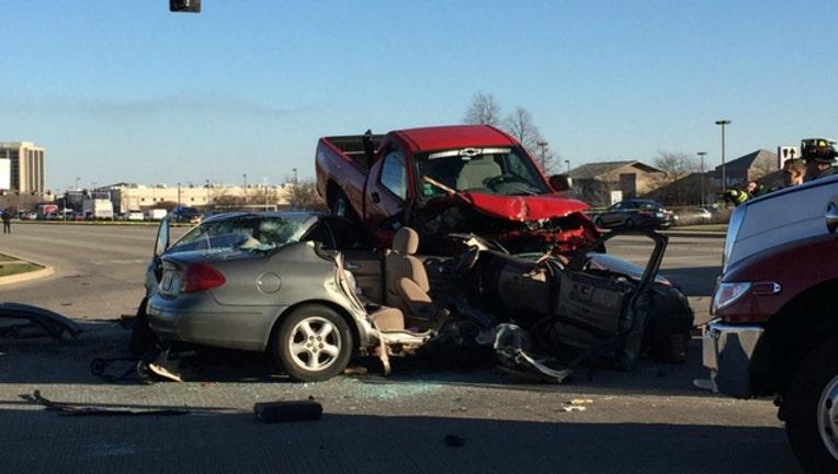 7144addf-oakbrook crash_1512093043880.jpg
