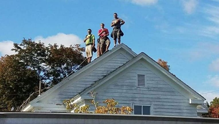 734fe344-roofers_1508256386085-401385.jpg
