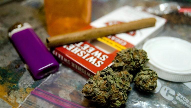 75901f08-marijuana-blunt-final_1488206029625.jpg
