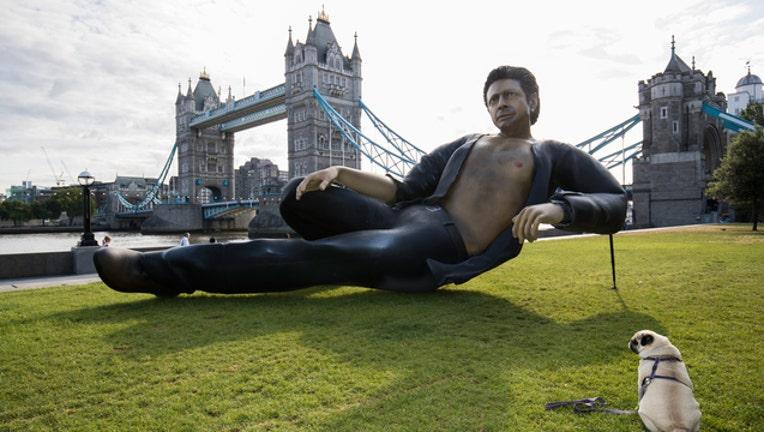 7b5b4841-Jeff Goldblum Statue Getty Images_1532040918114-401720.jpg
