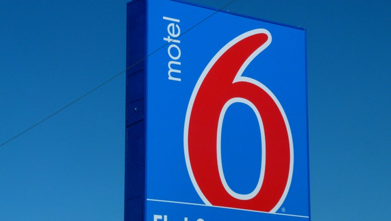 7ef96b1c-motel-6_1505483562282.jpg