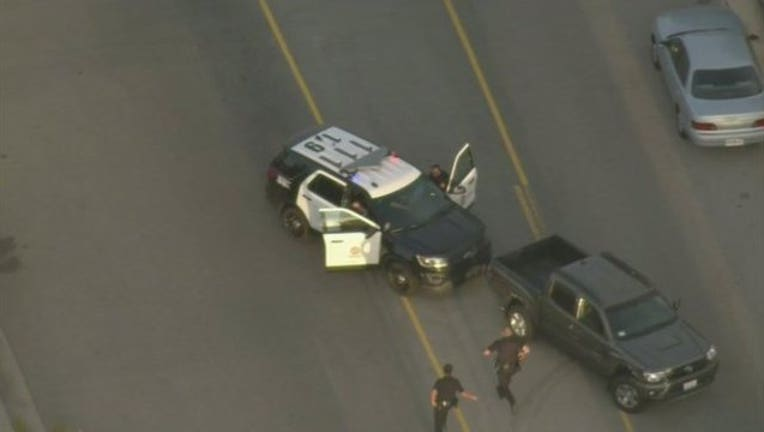8e524c65-woman tries to steal cop car_1459132992847-407068.jpg
