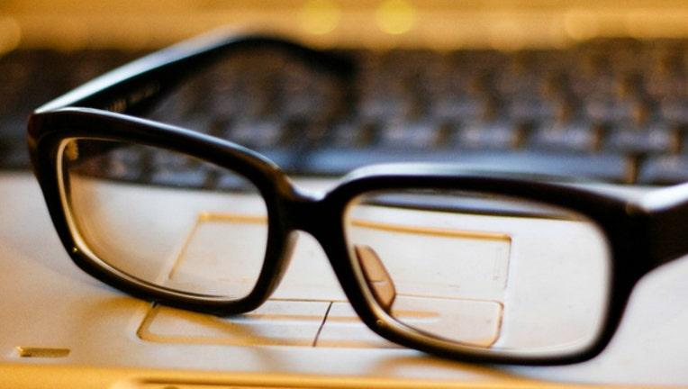 8f9ef2b9-glasses-generic_1482865077989.jpg