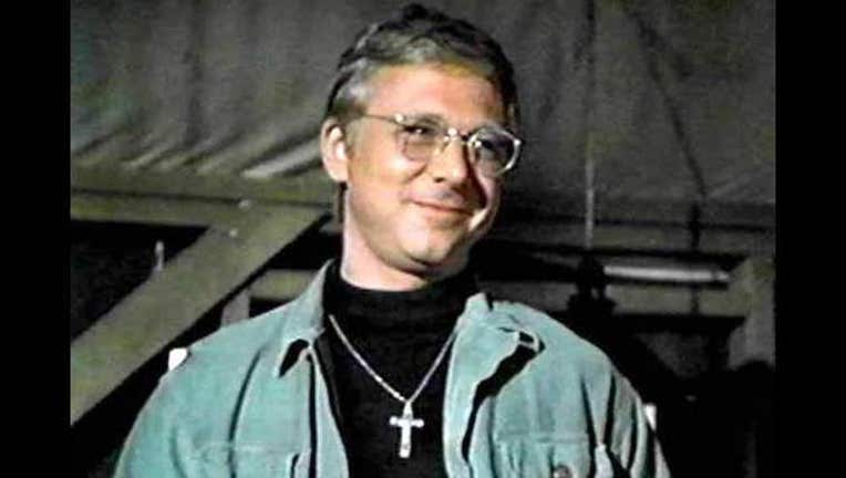 97091052-William Christopher as Father John Mulcahy in MASH (image courtesy 20th Century FOX)