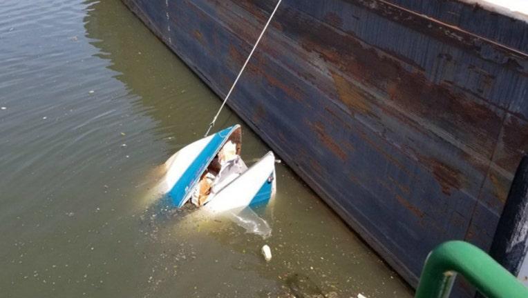 boat sink_1561684066611.jpg.jpg