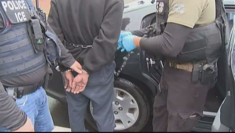9f556df3-MS-13 Gang Arrest ICE-401720.jpg